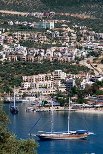 Gulet anchored at Kalkan, a popular tourist resort, Antalya Province, Anatolia, Turkey Minor, Eurasiの写真素材 [FYI03763581]