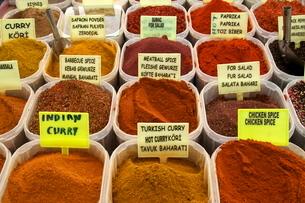 Spices on stall in the market in Kalkan, Anatolia, Turkey Minor, Eurasiaの写真素材 [FYI03763585]