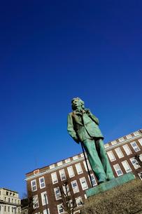 Statue of composer Edvard Grieg, Bergen, Hordaland, Norway, Scandinaviaの写真素材 [FYI03763898]