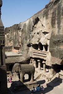 The Ellora Caves, temples cut into solid rock, near Aurangabad, Maharashtraの写真素材 [FYI03764016]