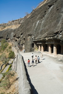 Ajanta Cave complex, Buddhist Temples carved into solid rock dating from the 5th Century BC, Ajanta,の写真素材 [FYI03764017]