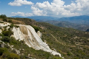 Hierve el Agua (the water boils), water rich in minerals bubbles up from the mountains and pours oveの写真素材 [FYI03764209]