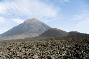 The volcano of Pico de Fogo in the background, Fogo (Fire), Cape Verde Islandsの写真素材 [FYI03764245]
