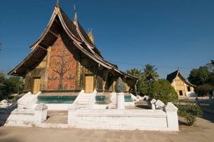 Wat Xieng Thong, Luang Prabang, Laosの写真素材 [FYI03764510]