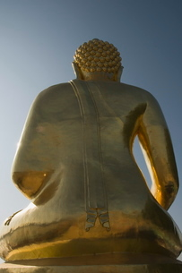 Huge Golden Buddha, Sop Rouk, Golden triangle, Thailandの写真素材 [FYI03764544]