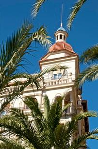 Building along the Explanada (the promenade), Alicante, Valenciaの写真素材 [FYI03764599]