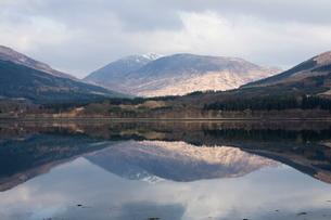 Loch Eil, near Fort William, Lochaber, Scotlandの写真素材 [FYI03764756]