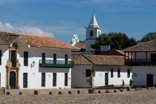The colonial town of Villa de Leyva, Colombiaの写真素材 [FYI03764977]