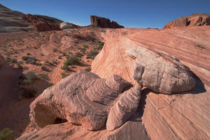 The Fire Wave, Valley of Fire, near Las Vegas, Nevada'の写真素材 [FYI03765043]