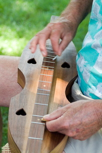 Dulcimer, Vandalia Music Festival, Charleston, West Virginia'の写真素材 [FYI03765051]
