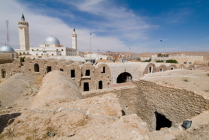 Berber grain storage units, recent site of Star Wars film, now a hotel, Ksar Hedada, Tunisiaの写真素材 [FYI03765066]