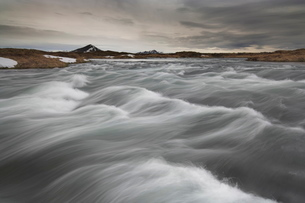 Laxa river flowing from Lake Myvatn, North area, Icelandの写真素材 [FYI03765199]