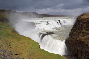 Gullfoss waterfall, part of the golden circle tour, South area, Icelandの写真素材 [FYI03765215]