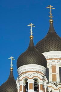 Domes of the Alexander Nevsky Cathedral, Russian Orthodox church, Toompea Hill, Tallinn, Estoniaの写真素材 [FYI03765222]