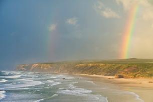 Double rainbow after storm at Carrapateira Bordeira beach, Algarveの写真素材 [FYI03765276]