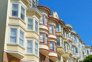 Victorian houses, Russian Hill district, San Franciscoの写真素材 [FYI03765548]