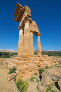 Temple of Castor, Valley of the Temples, Agrigento, Sicilyの写真素材 [FYI03765616]
