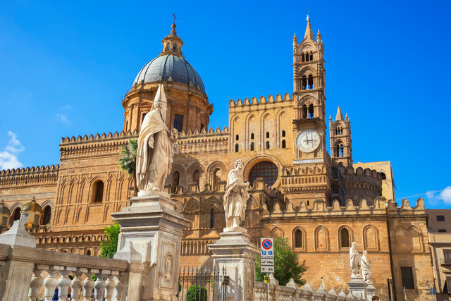 Palermo Cathedral, Palermo, Sicilyの写真素材 [FYI03765630]