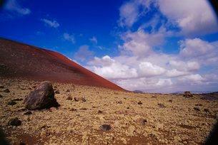 Caldera Colorado, volcanic landscape, Parque Nacional de Timanfaya, Lanzarote, Canary Islandsの写真素材 [FYI03765698]