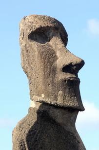 Ahu Tongariki where 15 moai statues stand with their backs to the ocean, Easter Islandの写真素材 [FYI03765797]