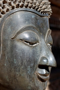 Detail of statue of the Buddha, Wat Phra Keo, built by King Setthathirat, Vientiane, Laos, Indochinaの写真素材 [FYI03765805]