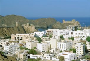 The old quarter and Fort Jalali, Muscat, Oman, Middle Eastの写真素材 [FYI03765891]