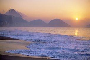 Copacabana Beach, Rio de Janeiro, Brazilの写真素材 [FYI03766125]