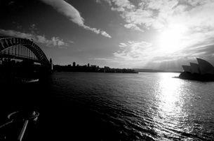 Sydney Opera House and Harbour Bridge, Sydney, New South Walesの写真素材 [FYI03766221]
