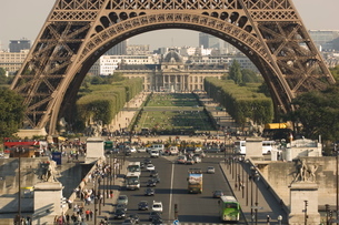 Pont D'Iena, Eiffel Tower, Parisの写真素材 [FYI03766384]