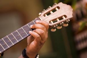 guitar playa, Havana, Cubaの写真素材 [FYI03766468]
