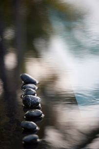 Stones in Water, Maldivesの写真素材 [FYI03766515]