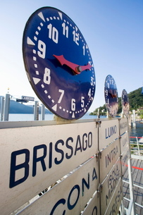 Clock at ferry stand, Lake Maggiore, Italian Lakes Italyの写真素材 [FYI03766572]