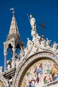 Detail of St. Mark's Basilica, Piazza San Marco (St. Mark's Square), Venice, Venetoの写真素材 [FYI03766589]