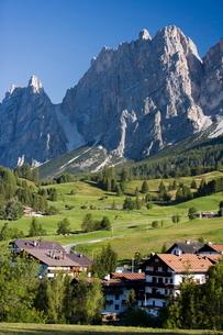 Cortina d'Ampezzo, Veneto, Dolomitesの写真素材 [FYI03766590]