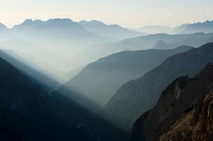 Sunrise in the Dolomitesの写真素材 [FYI03766591]