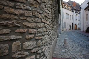 Stone wall, Beaune, Burgundyの写真素材 [FYI03766785]