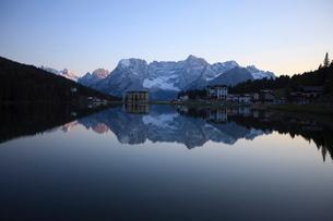 Misurina, Dolomitesの写真素材 [FYI03766795]