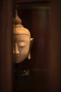 Buddha statue, Bangkok, Thailand, Southeast Asiaの写真素材 [FYI03766832]