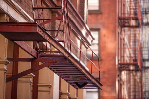 Soho fire escape, New York'の写真素材 [FYI03767018]