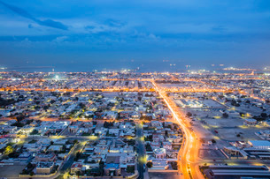 Dubai evening view to sea, Dubai, United Arab Emirates, Middle Eastの写真素材 [FYI03767076]