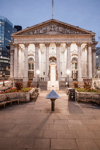 Royal Exchange Building in the City of Londonの写真素材 [FYI03767112]