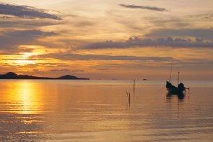 Sunset, Ko Samui, Thailandの写真素材 [FYI03767231]