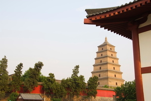 Big Goose Pagoda, Tang Dynasty, built in 652 by Emperor Gaozong, Xian City, Shaanxi Provinceの写真素材 [FYI03767369]