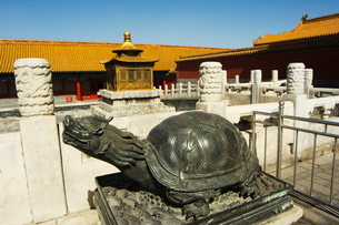 Turtle statue, Zijin Cheng, The Forbidden City Palace Museum, Beijingの写真素材 [FYI03767383]