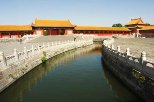 A moat inside Zijin Cheng, The Forbidden City Palace Museum, Beijingの写真素材 [FYI03767389]