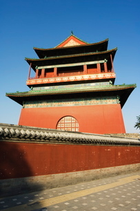 The Drum Tower, a later Ming dynasty version originally built in 1273 marking the centre of the oldの写真素材 [FYI03767426]