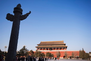 a Huabiao statue infront of the Forbidden City Beijing Chinaの写真素材 [FYI03767480]