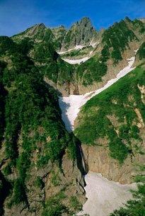Glacier waterfall on Mt. Tsurugi, Northern Alps, Japanの写真素材 [FYI03767880]