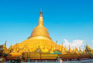 Shwemawdaw Paya pagoda, Bagoの写真素材 [FYI03767925]