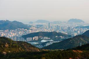 City skyline, Busan, South Koreaの写真素材 [FYI03767939]